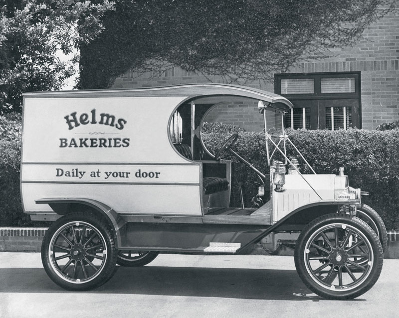 Family Foto: Helms Bakery – Transformation of a Vintage Los Angeles Family Business Institution
